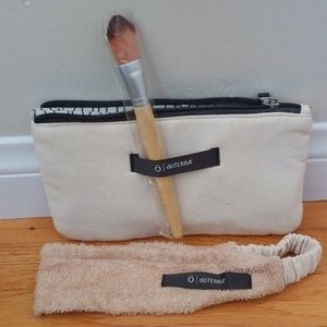 dōTERRA Spa line cosmetic bag